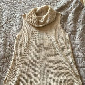 Sleeveless knit sweater tank